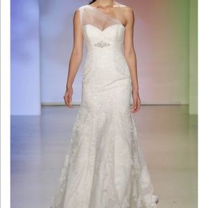 a35ffa2b25c Alfred Angelo Dresses - Disney Pocahontas Wedding Dress-Alfred Angelo NWT
